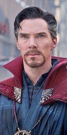 Benedict Cumberbatch as doctor strange Marvel Comic Character, Marvel Characters, Loki Laufeyson, Dr Strange Costume, Doctor Strange Benedict Cumberbatch, The Stranger Movie, Asgard, Marvel Memes, Marvel Avengers