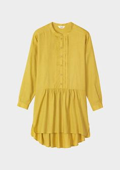Perfect in every way -Collarless tunic shirt in soft, medium-weight cotton twill. Pleated front placket with gathering below. Dropped back hem and short side slits. Pull-on. Long sleeves pleat into a two-button cuff.
