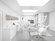 White Space Clínica de Ortodoncia / bureauhub architecture Suelo vinilico