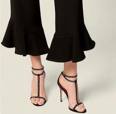 Carolina Herrera Stiletto 2018 #stiletto #shoes #fashion #carolinaherrera #vanessacrestto