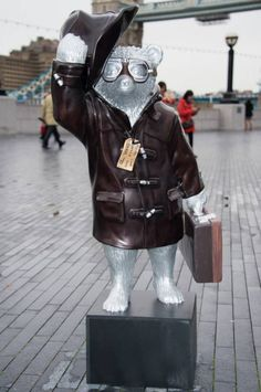 Paddington Bear movie: Benedict Cumberbatch and Peter Capaldi statues take over London   Metro News