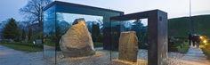 Copertura delle pietre runiche a Jelling, Danimarca, progettata da NOBEL arkitekter a/s. Menzione speciale 2013
