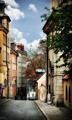 Warsaw, Poland mUY BELLA CALLE, HABRÁN CIENTOS DE HISTORIAS Y RECUERDOS BELLOS.