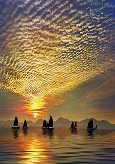 Golden rippled clouds at sunset sunrise over sailboats. Celestial Ripples and sailing at sunset Beautiful Sunset, Beautiful World, Beautiful Images, Simply Beautiful, Beautiful Scenery, Zen Place, Amazing Nature, Amazing Grace, Belle Photo
