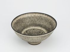 ceramic vision: Lucie Rie @ Galerie Besson