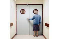 """""""Into Oblivion"""" TIME LightBox photo project tries to capture the story of Alzheimer's"""