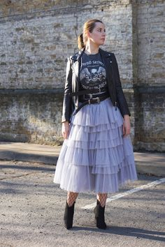 ASOS Tulle Midi Prom Skirt with Tiers and Tie Waist TOPSHOP Lyn Skyn Oversized T-Shirt by And Finally ZARA Basic Leather Jacket ALDO Myrona Ankle Boots PRIMARK Belts Follow my blog with Bloglovin