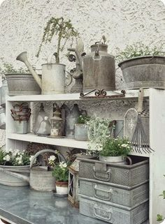 Potting Bench and gardening supplies. Love the zinc watering cans and pails and bowls. Galvanized Buckets, Galvanized Metal, Galvanized Decor, Do It Yourself Garten, Potting Tables, Potting Sheds, Sweet Home, Garden Inspiration, Container Gardening