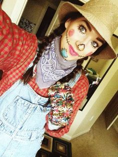 How To Make A Cute Scarecrow Costume For Halloween, check it out at http://makeuptutorials.com/08-easy-cheap-adult-halloween-costume-ideas-2015 #halloweencostumesadult