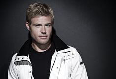 Beautiful hairy man Trevor Donovan from USA. 90210 Cast, Pretty People, Beautiful People, Trevor Donovan, Taylor Lautner, Hairy Men, Male Beauty, Celebrity Pictures, Chef Jackets