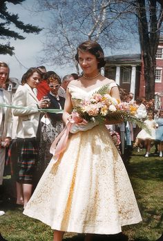 Janie Parsons, May Court Allegheny College, Meadville, PA Vintage Prom, Vintage Bridal, Vintage Glamour, Vintage Beauty, Vintage Ladies, Vintage Makeup, Fifties Fashion, 20s Fashion, Fashion Photo