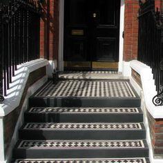 56 Ideas Front Door Steps Tiles Entrance For 2019 Victorian Hallway, Victorian Porch, Victorian Townhouse, Front Door Steps, Front Door Entryway, Porch Steps, Unique Front Doors, Best Front Doors, Porch Tile