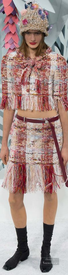 Chanel.Spring 2015 Couture. or some odd reason I kind a like this