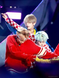 ❤️ #BTS 170924 SF music festival INKIGAYO SUPER CONCERT ~♡