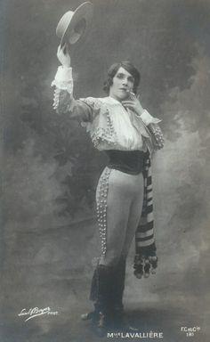 Eve Lavallière  totally guapa. lesbian, lesbians, nostalgica, vintage, drag king, women's history, belle epoque, 1920, 1930, 1940, 1950