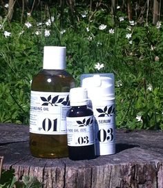 Spring. Lovely time. Thank you motherearth for your Lovely gifts. #herbs #bees #cleansingcream #faceoil #vitaminc #minerals #moonsunorganic #lovelynature #takecare #love #loveyourskin