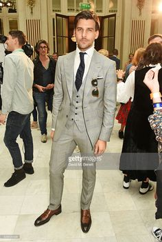 Johannes Huebl attends the Chester Barrie presentation during The London Collections Men on June 2016 in London, England. Suit Fashion, Mens Fashion, Johannes Huebl, Cop Costume, Magazine Man, Suit Shoes, Evolution Of Fashion, Summer Suits, Suit And Tie