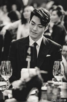 Las etiquetas más populares para esta imagen incluyen: kim woo bin