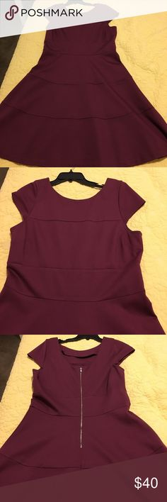 Banana Republic perfect condition dress! Wine colored ponte knit fit & flare dress from Banana Republic. Scoop back, zips in back. Banana Republic Dresses