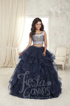 Find pretty quinceanera dresses and vestidos de quinceanera here. These quince dresses are perfect for your Sweet Xv Dresses, Quince Dresses, Fashion Dresses, Formal Dresses, Sweet 15 Dresses, Cute Dresses, Beautiful Dresses, Pretty Quinceanera Dresses, Quinceanera Ideas