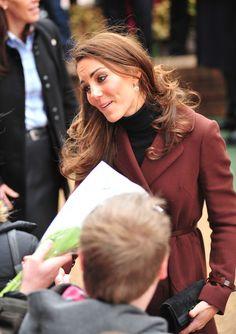 Kate Middleton - Kate Middleton Spreads Valentine's Day Cheer At Children's Hospital