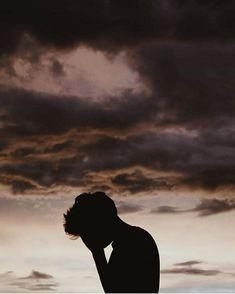 ♡ Pastel soft grunge aesthetic ♡ ☹☻ Troye Sivan ♡♛☻♔✶♕ ~αи∂ ι мιѕѕ уσυ мσяє тнαи αиутнιng ιи тнιѕ ωσяℓ∂~ Aesthetic Boy, Character Aesthetic, Aesthetic Photo, Aesthetic Pictures, Photography Aesthetic, Alone Photography, Boy Photography Poses, Creative Photography, Boy Silhouette