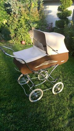 Vyhraj si se mnou v aukci! Vintage Pram, Prams And Pushchairs, Dolls Prams, Baby Carriage, Outdoor Furniture, Outdoor Decor, Sun Lounger, Home Decor, Kids Wagon