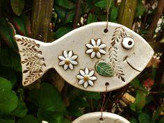 Girlanden & Wimpelketten - Windspiel Fische Mobile Gartenkeramik Keramik  - ein Designerstück von Terra-Cottage bei DaWanda