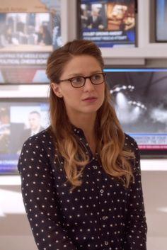 Kara Danvers / Supergirl wearing J. Crew Perfect shirt In Foil Dot, L.A. Eyeworks Dap Frames in Tortoise