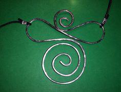 pendente in alluminium wire - dimensioni H.90mm L.70mm - 2016 maggio
