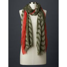 Gap Women Ikat Print Scarf ($30) ❤ liked on Polyvore featuring accessories, scarves, chives, regular, gap scarves and ikat scarves