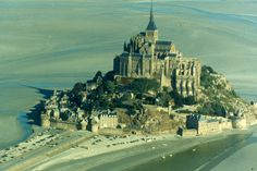 The mont Saint-Michel  country : France  place : Normandy