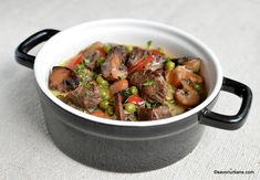 Romanian Food, Romanian Recipes, Kung Pao Chicken, Carne, Beef, Ethnic Recipes, Veal Stew, Fine Dining, Meat