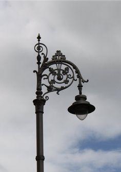 Irish_street_lamp_by_l_e_x_i.jpg (747×1069)