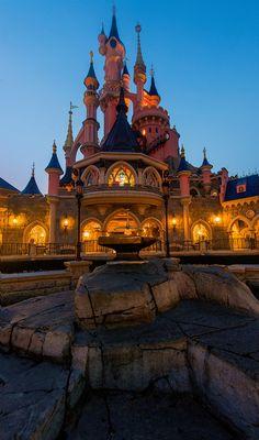 Top 10 Le Château de la Belle au Bois Dormant Photo Spots (Disneyland Paris)