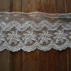 4 Yards 6 in Cream Antique Netting Lace Flat Lace by belledentelle, $12.00