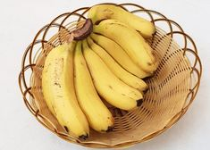 It's the small things in life. Walking in to a full fruit bowl after being overseas. Banana Dog Treat Recipe, Dog Treat Recipes, Dog Food Recipes, Banana Treats, Top 10 Healthy Foods, Healthy Recipes, Healthiest Foods, Healthy Tips, How To Store Bananas