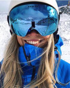 Winter in the Adirondacks – Enjoy the Great Outdoors! Snowboards, Photo Ski, Mode Au Ski, Ski Girl, Ski Fashion, Arab Fashion, Sporty Fashion, Sporty Chic, Fashion Spring
