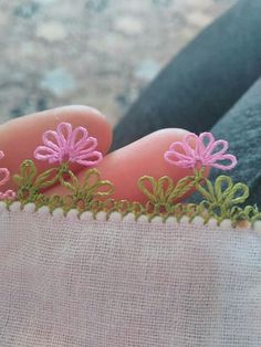 This post was discovered by cansu arı. Discover (and save!) your own Posts on Unirazi. Embroidery On Kurtis, Ribbon Embroidery, Embroidery Stitches, Embroidery Designs, Crochet Unique, Annie's Crochet, Crochet Flowers, Needle Tatting, Needle Lace