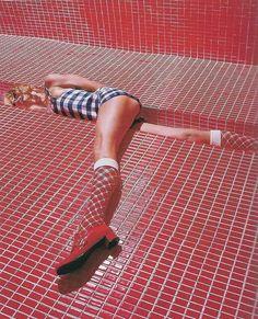 Patterns and socks! Vintage tight fit c. Vintage Glamour, 1960s Fashion, Vintage Fashion, Foto Fantasy, Image Mode, Viviane Sassen, Photo Images, Poses, Hollywood