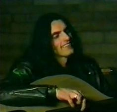 i loved this footage!! his smile here is breath taking :)