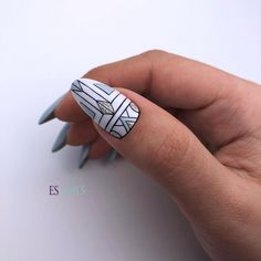 Nail art is a very popular trend these days and every woman you meet seems to have beautiful nails. It used to be that women would just go get a manicure or pedicure to get their nails trimmed and shaped with just a few coats of plain nail polish. Orange Nail Designs, Short Nail Designs, Toe Nail Designs, Simple Nail Designs, Acrylic Nail Designs, Manicure, Diy Nails, Nail Art Diy, Beauty Hacks Nails