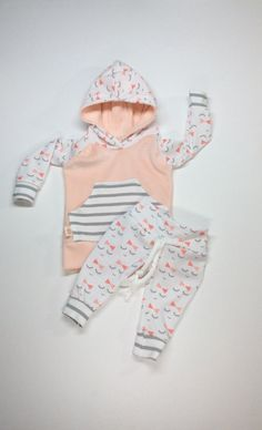 Hey, I found this really awesome Etsy listing at https://www.etsy.com/listing/478971718/baby-girl-outfit-with-sleepy-eyes