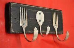 Golf Clubs Repurposed Rustic Black Forks and Baby Spoon Coat Rack Recycled Silverware - Made with vintage salad forks Recycled Silverware, Recycled Wood, Silverware Art, Cutlery, Spoon Hooks, Deco Originale, Forks And Spoons, Repurposed Items, Repurposed Shutters