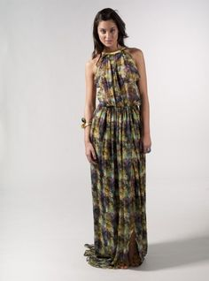 Precioso vestido largo de la diseñadora española Cristina Piña.