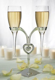 The Clear Glass Wedding Flutes with Silver Plated Stand is an elegant addition to your wedding. Delicate flutes rest in a silver plated stand. The stand Wedding Toasting Glasses, Wedding Champagne Flutes, Toasting Flutes, Champagne Glasses, Diy Wedding Supplies, Wedding Supplies Wholesale, Wedding Ideas, Wedding Favors, Wedding Stuff