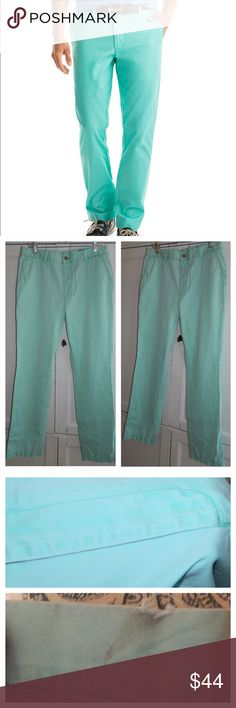 VINEYARD VINES Mint Green PANTS Chino 34 x 34 In pre-owned condition with some wear on hem and tiny hole near zipper. See picture 3 for condition. Vineyard Vines Pants Chinos & Khakis