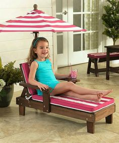 You can create and build this DIy pallet wood swimming pool chair for your little ones and make them feel special. you can build customized furniture items for your children. This will amaze your children. The umbrella will safeguard from sun rays and will also add a fun element.