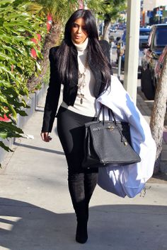 Kim Kardashian- all black !  Totally my style !