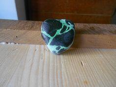 Sea pottery  1 pezzo granigliato verde e nero di lepropostedimari, €18.00